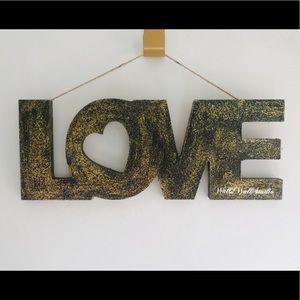 LOVE Valentines Sign Hang Decor